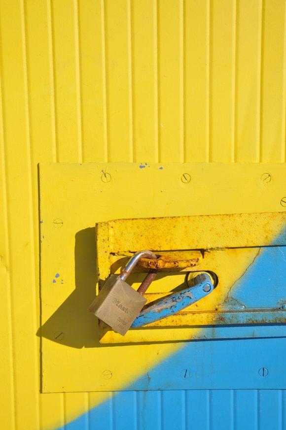 la porte du cabanon.jpg